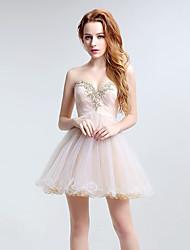 Vestido de fiesta de coctel a-line sweetheart corto / mini tul con appliques de cristal detailing