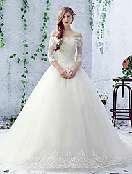 Ball Gown Wedding Dress Chapel Train Bateau Lace / Tulle with Beading / Lace