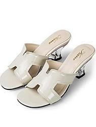 Damen Sandalen Komfort PU Sommer Normal Komfort Blockabsatz Weiß Schwarz Beige Blau Rosa 5 - 7 cm