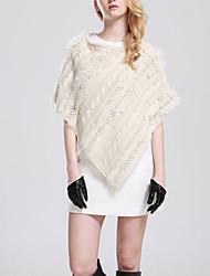 Women's Casual/Daily Simple Regular Cloak / Capes,Solid Beige Round Neck Sleeveless Rabbit Fur / Faux Fur Fall / Winter Medium