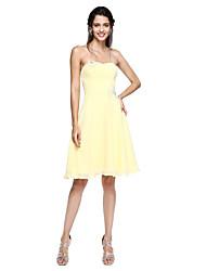 2017 Lanting bride® abrir volta vestido de dama de honra - uma linha namorada do joelho-comprimento chiffon com apliques / beading
