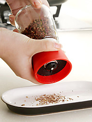 1PC Color Random Newfangled Creative kitchen Supplies Barreled Machine Seasoning Pot