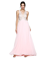 2017 TS Couture® Formal Evening Dress - See Through A-line V-neck Floor-length Chiffon with Appliques / Pleats