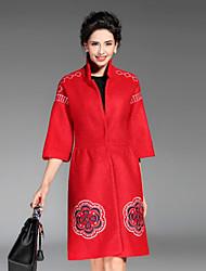 Mujer Sofisticado Casual/Diario / Tallas Grandes Bordado Abrigo,Escote Chino 3/4 Manga Invierno Poliéster Rojo / Negro / Verde