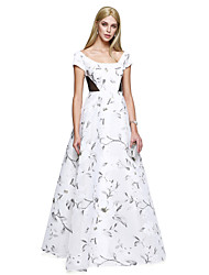 TS Couture® Prom  Formal Evening Dress A-line Scoop Floor-length Satin with Pattern / Print