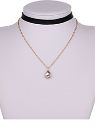 Necklace Pendant Necklaces Jewelry Birthday / Party / Daily / Casual Geometric Geometric Alloy Women 1pc Gift Gold