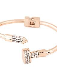 Femme Manchettes Bracelets Strass Imitation de diamant Alliage Mode Style Punk Argent Doré Bijoux 1pc