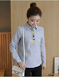 Sign 2017 spring wild Slim embroidered ladies bottoming Korean version of the small fresh shirt blouses