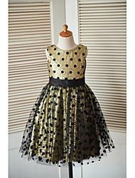 une robe à rayures en ligne à une ligne de genoux - tulle sans piqures à manches courtes en col avec arc (s) par thstylee
