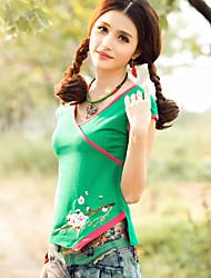 neue Frauen&# 39; s nationale Windstickereikurzschluss-Hülse V-Ausschnitt Paket Rotatorenmanschette asymmetrische Baumwoll-T-Shirt