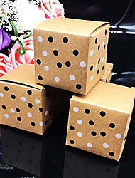 50 Pièce / Set Titulaire de Faveur-Cubique Papier durci Boîtes à cadeaux Non personnalisé