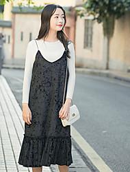 Signe 2017 nouvelle femme simple tempérament en velours en velours plissé jupe fine robe en hanche en v-cou
