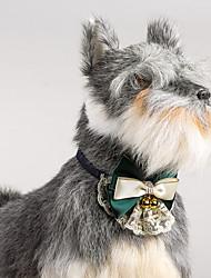 Chien chien collier de dentelle réglable avec des cloches