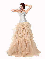 Ball Gown Sweetheart Sweep / Brush Train Organza Formal Evening Dress with Sequins
