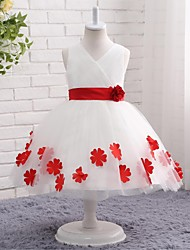 A-line Knee-length Flower Girl Dress - Tulle V-neck with Appliques