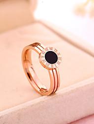 Жен. Кольцо Обручальное кольцо Винтаж Классика Титановая сталь Позолоченное розовым золотом Круглой формы Бижутерия НазначениеСвадьба Для