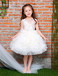 Ball Gown Knee Length Flower Girl Dress - Tulle Netting Lace Satin Round Neck with Bowknot Applique Beading