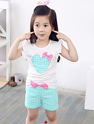 Girl's Fashion And Lovely Heart-Shaped Bowknot Love Knot Vest T-Shirt  Bowknot Plaid Shorts Two-Piece