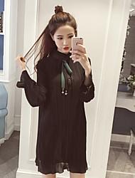 Trapèze Robe Femme Décontracté / Quotidien Couleur Pleine Col Roulé Mi-long Manches Longues Polyester Automne Taille Normale Non Elastique
