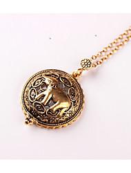 Femme Pendentif de collier Eléphant Alliage Animal Vintage Métallique Bijoux Pour Mariage Soirée Anniversaire Quotidien