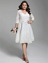 Linha A Decote V Até os Joelhos Renda Vestido de casamento com Apliques Laço(s) Botões Caixilhos / Fitas de LAN TING BRIDE®