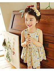 Menina de Vestido Floral Verão Algodão Sem Manga