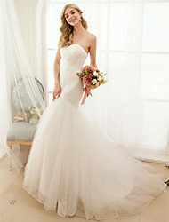 Mermaid / Trumpet Sweetheart Sweep / Brush Train Tulle Wedding Dress with Button Criss-Cross by LAN TING BRIDE®