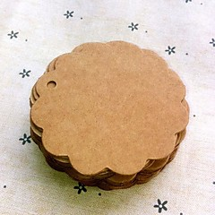 Round Scalloped Brown Paper Tag (Set of 100)