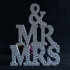 Europe and the United States wooden MR & MRS diamond wedding supplies Wooden furnishing articles in English letters Wedding photography props