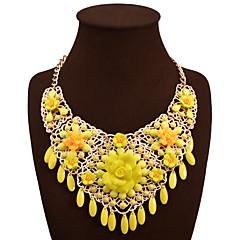 Statement kaulakorut Flower Shape Metalliseos Euramerican Keltainen Korut VartenHäät Party Erikoistilaisuus Syntymäpäivä Kihlaus