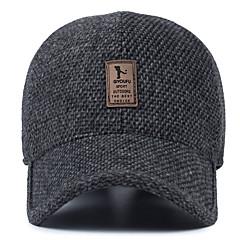 Homem de meia-idade do chapéu de lã chapéu de inverno ao ar livre boné de beisebol