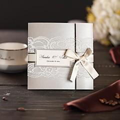 Tri preklopa Vjenčanje Pozivnice 50-Pozivnice Moderna Papir bisernog sjaja Mašnica Vezice