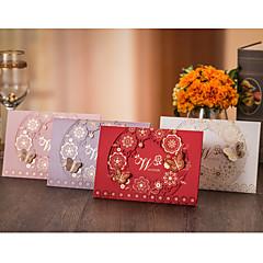 Horní přehyb Svatební Pozvánky Pozvánky-50 Kusů v sadě Květinový styl Motýlí styl Vysoce kvalitní papír Čtvrtky Lepenkový papírKvětiny