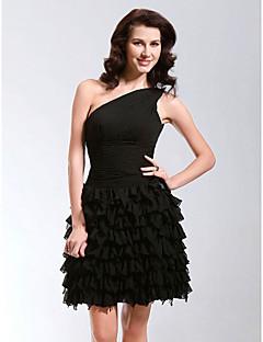 Fiesta de Cóctel / Dulces 16 Vestido - Vestiditos Negros Corte en A / Princesa Sobre un Hombro Corta / Mini Raso conRecogido Lateral / A