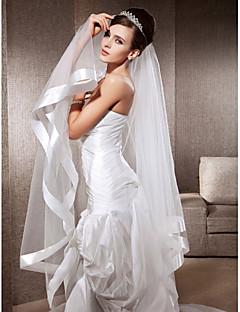 enstrengede fingerspids bryllup slør med bånd kant