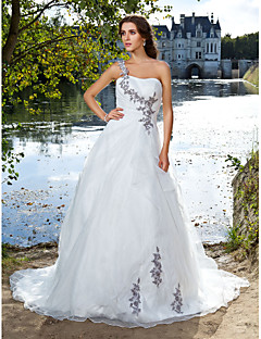 Lanting Bride® Ball Gown Petite / Plus Sizes Wedding Dress - Classic & Timeless Court Train One Shoulder Organza with