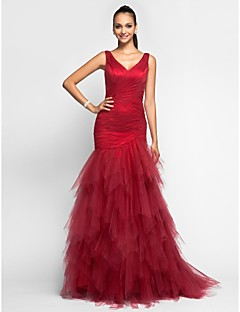 TS Couture® Prom / Formal Evening / Military Ball Dress - Elegant Plus Size / Petite Trumpet / Mermaid V-neck Sweep / Brush Train Tulle with Ruffles