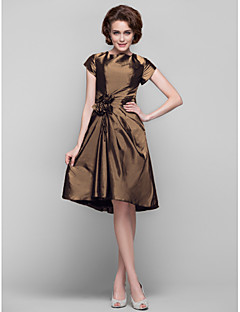 Dress Sheath / Column Jewel Knee-length Taffeta with Flower(s) / Tassel(s) / Criss Cross