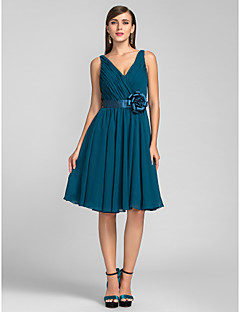 Homecoming Cocktail Party/Wedding Party Dress - Ink Blue Plus Sizes A-line/Princess V-neck Knee-length Chiffon