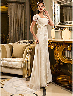 Lanting Sheath/Column Petite / Plus Sizes Wedding Dress - Ivory Court Train Scalloped-Edge Lace / Satin