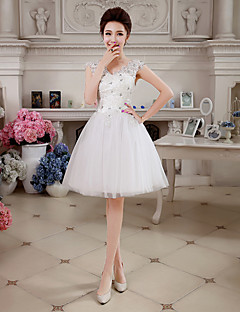 Homecoming Cocktail Party Dress - White Ball Gown V-neck Knee-length Lace/Tulle