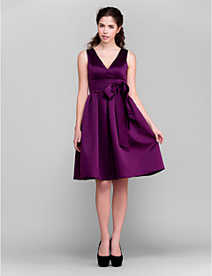 Lanting Bride® Knee-length Satin Bridesmaid Dress - A-line / Princess V-neck Plus Size / Petite with Bow(s) / Sash / Ribbon