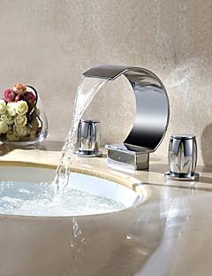 現代風 組み合わせ式 滝状吐水タイプ / 回転可 with  真鍮バルブ 二つのハンドル三穴 for  クロム , バスルームのシンクの蛇口