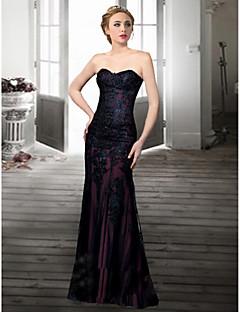 hemkomst formell aftonklänning trumpet / sjöjungfru älskling golv längd spetsklänning