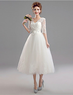 A-line Wedding Dress Tea-length V-neck Lace / Tulle with