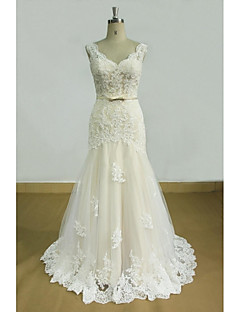 Sheath / Column Wedding Dress Sweep / Brush Train V-neck Lace / Tulle with Appliques