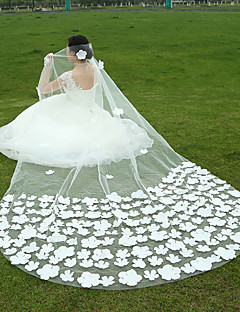 Wedding Veil One-tier Fingertip Veils / Cathedral Veils Lace Applique Edge / Raw Edge Tulle White