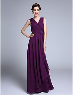 Lanting Bride® Sheath / Column Mother of the Bride Dress Floor-length Sleeveless Chiffon with Criss Cross / Sequins