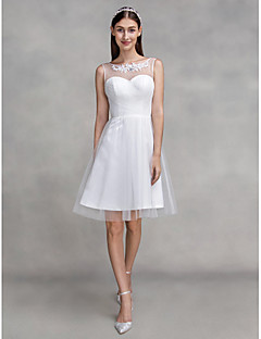 Lanting Bride® A-line Wedding Dress Knee-length Scoop Tulle with Appliques / Criss-Cross