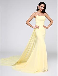 TS Couture® Formell kveld Dress Havfrue Stroppeløs Watteauslep Chiffon med